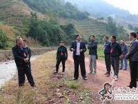 县人大常委会视察江河治理和通畅工程建设情况