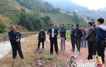 县人大常委会视察江河治理和通畅 工程建设情况