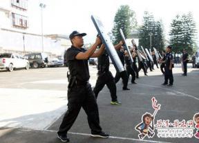 景东县公安局集中开展警务实战培训