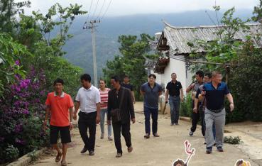 县人大常委会领导到太忠镇调研提升人居环境工作
