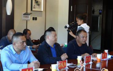 上海金山区与景东县举行现代农业科技示范园签约仪式