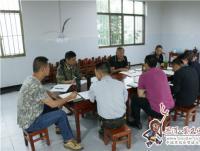 景东县人大常委会主任董世尧到林街乡调研脱贫攻坚工作