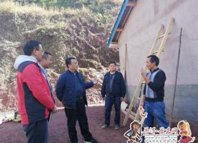 【脱贫攻坚进行时】县委书记李春荣到乡镇指导脱贫攻坚工作