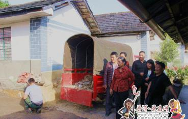 【脱贫攻坚进行时】市领导到景东县调研脱贫攻坚工作