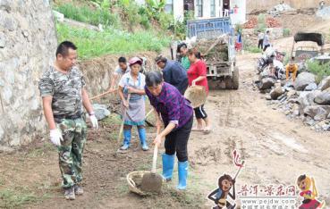 【脱贫攻坚进行时】漫湾镇农村人居环境整治遍地开花
