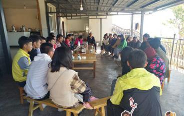 安定:望福村召开大学生扶贫政策明白人座谈会