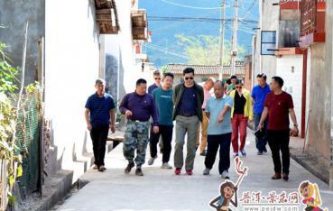 (脱贫攻坚进行时)上海市金山区代表团到我县考察调研工作