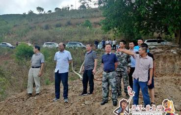 景东县县长胡其武到大朝山东镇调研国土整治项目推进工作